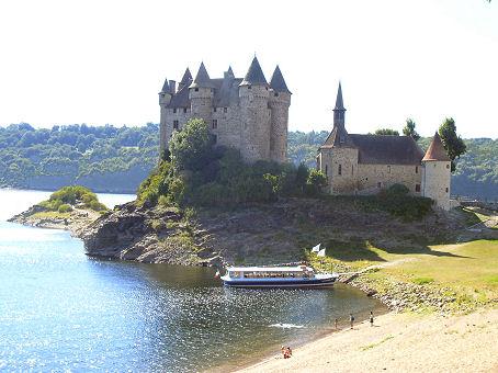 Au fil de la Dordogne Bort%2018%20chateau%20cp